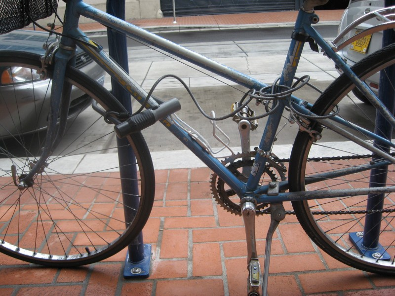 modul corect de a securiza bicicleta
