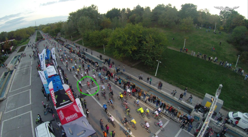 Start MoonTimeBike2014 (foto: flycams.ro)